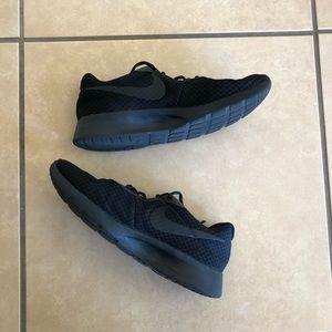 Black Nike Tanjuns
